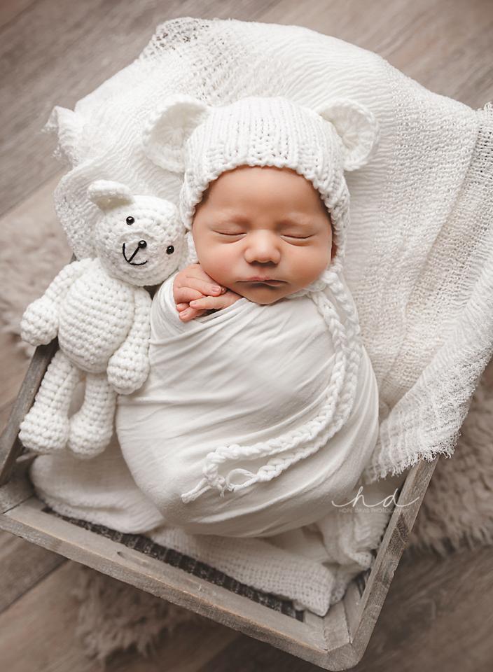 baby bear bonnet mississippi newborn photo hope davis photography