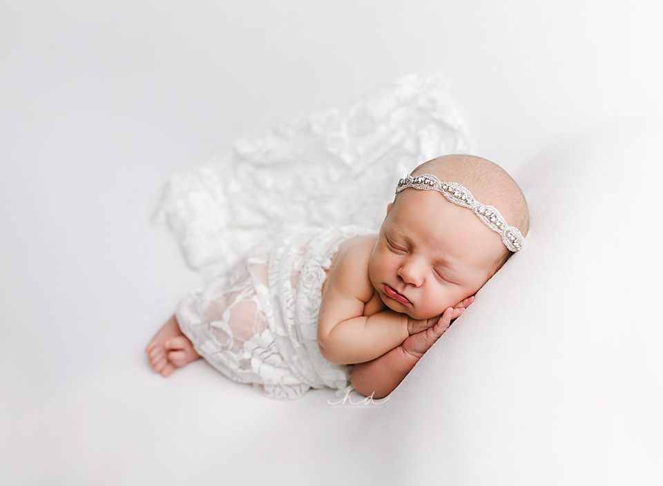 newborn photographer mississippi