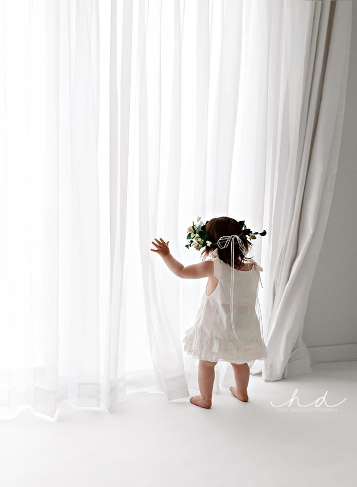 minimalist baby photographer