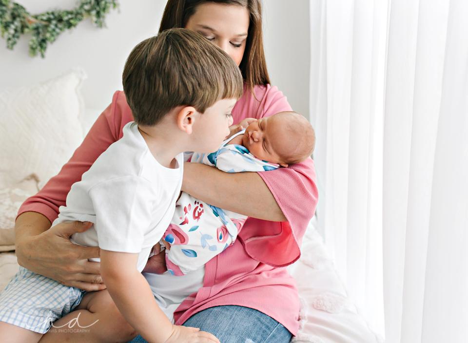 Philadelphia mississippi newborn photographer