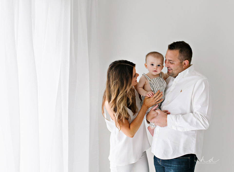 minimalist one year old photo shoot