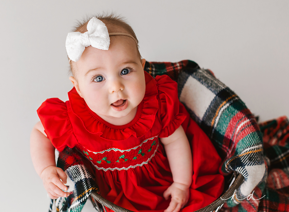 christmas baby picture mississippi photographer