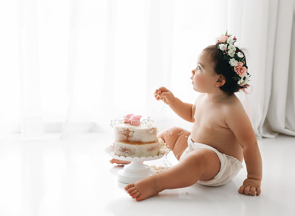 cake smash little girl with floral crown hope davis photography